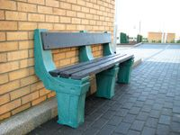 Outdoor 3 person wall seat
