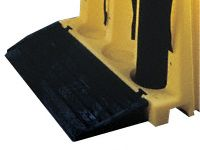 Tough polyethylene ramp for cylinder stand